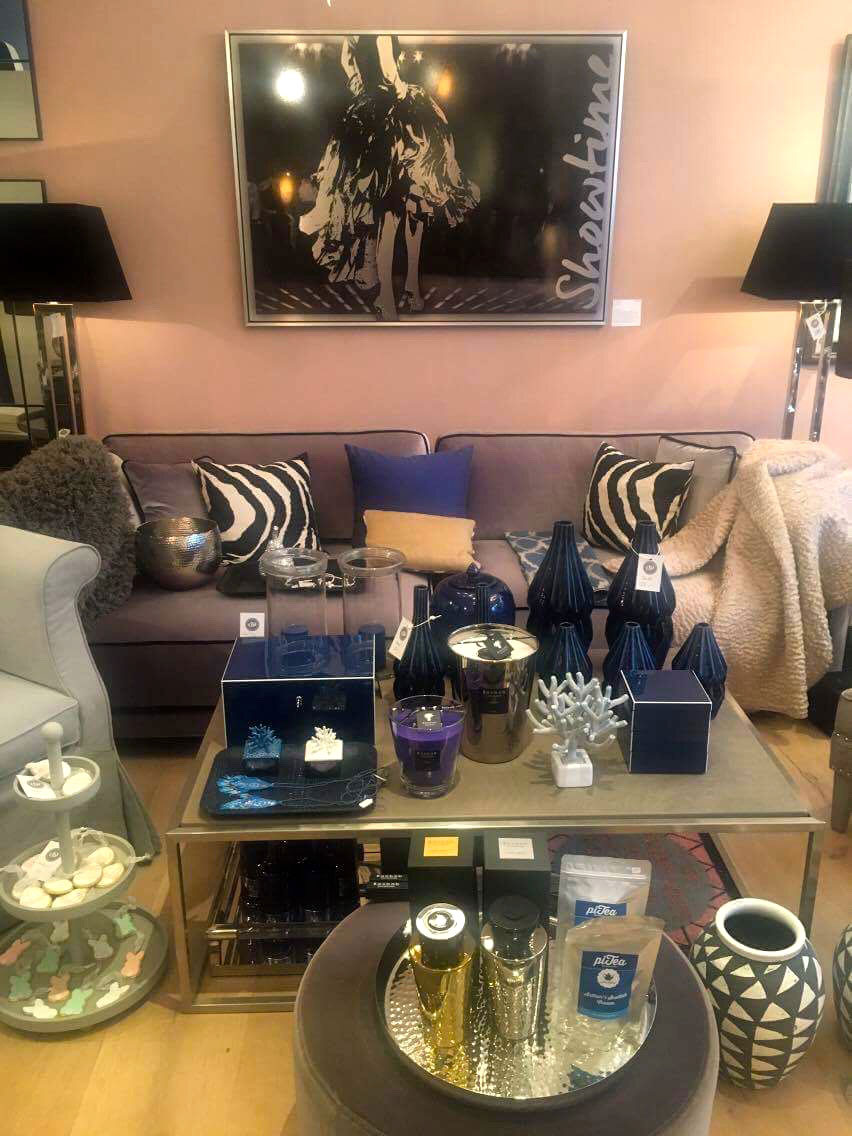 sylvia schramm ausstellung bei osterthun design 2017. Black Bedroom Furniture Sets. Home Design Ideas